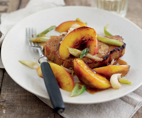 Roasted pork chops with sweet and sour nectarines